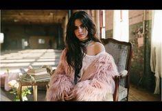 Camila Cabello: Former Fifth Harmony singer flies solo - BBC News