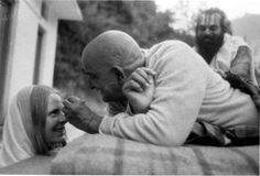 """Baba Neem Karoli aka """"Maharaji"""" """"See all women as mothers, serve them as your mother. When you see the entire world as the mother, the ego falls away. Neem Karoli Baba, This Or That Questions, Saints Of India, Shri Hanuman, Ram Dass, Nainital, Spiritual Teachers, Unconditional Love, Frases"""