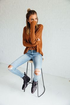 DETAILS: It's all about the ankles with this worn-and-torn pair, a slim-and-slouchy fit featuring a cool, cropped leg accented with roll-up cuffs. - Fits true to size, order your normal size - Zip fly