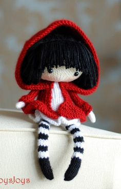 Cute doll knitting pattern