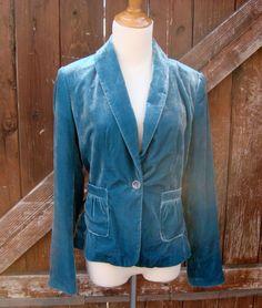 Daisy Fuentes Light Blue Velvet Jacket/Blazer Size 4..very soft & pretty..just $7.99!