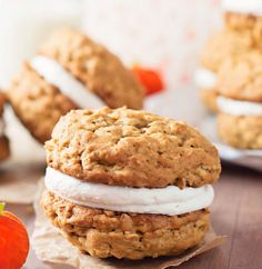 Favorite #Fall #Desserts: #Pumpkin #Oatmeal Cream Pies
