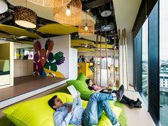 Nowe, niesamowite biuro Google w Dublinie - Pomieszczenie integracyjne na poziomie Unite, fot. P. Wurmli