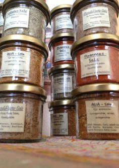 Homemade Food Gifts, Diy Food Gifts, Homemade Spices, Empanadas, Austrian Recipes, Curry, Spices And Herbs, Kitchen Gifts, Spice Mixes