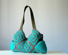 Crochet handbag, fall autumn fashion, Stripet granny square crochet Bag, New Four Season Crochet bag - Shoulder Bag, from NzLbags on Etsy. Saved to Etsy. Sac Granny Square, Granny Square Crochet Pattern, Afghan Crochet, Granny Squares, Crochet Handbags, Crochet Purses, Crochet Bags, Crochet Flower, Crochet Crafts
