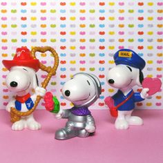 Lovable, adorable Snoopy and Woodstock are here to pull at your sweet babboo's heart strings! New Whitman's figurines are available in the shop.