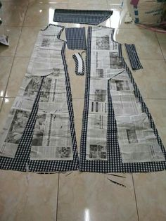 Diy Ropa Mujer Fashion Ideas Ideas For 2019 Sewing Art Sewing Tools Sewing Tutorials Sewing Hacks Sewing Patterns Sewing Projects Sewing Techniques Techniques Couture Learn To Sew Dress pattern cut out Great swing dress DIY - would add a curve to the bodi New Dress Pattern, Dress Sewing Patterns, Sewing Patterns Free, Clothing Patterns, Pattern Sewing, Pattern Skirt, Skirt Patterns, Hijab Mode, Stitching Dresses