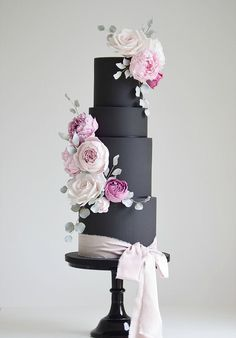 Cotton and Crumbs | Wedding Cakes #weddingcakes