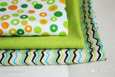 MIXIFU perchas_telas bebé+adulto verde
