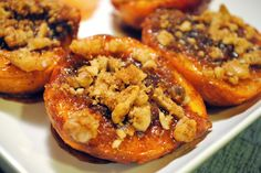Grilled Peaches with Brown Sugar and Cinnamon.tastes like peach crisp but with much less work! Grilled Desserts, Grilled Fruit, Grilled Peaches, Healthy Desserts, Easy Desserts, Egg Recipes, Dessert Recipes, Yummy Recipes, Fruit Dessert
