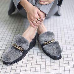 Grey fur shoes @boyyboutique Fashion Designer, Designer Shoes, Shoe Boots, Shoe Bag, Heeled Loafers, Hot Shoes, Fashion Wear, Outfit, Chic