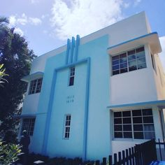 #Minimalist #ArtDeco #Design #CoolBuilding #Facade #Structure #305 #561BUILD #ForensicEngineer #PalmBeach #FtLauderdale #Miami South Beach Miami, Palm Beach, Miami Art Deco, Facade, Minimalist, Homes, Design, Houses