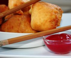 Boules de poulet Yummy World, Chicken Balls, Asian Recipes, Ethnic Recipes, Time To Eat, Mets, Spring Rolls, Chinese Food, Chinese Meals