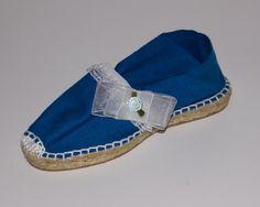 Alpartaga plana azul francia con detalle blanco. Precio de venta: 20,00 €
