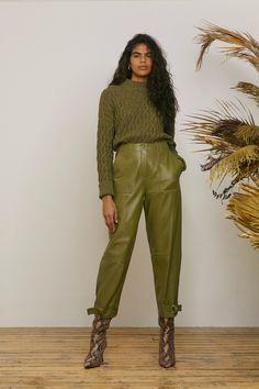 Whistles Croisière 2020 – Défilé – Fashion Trends To Try In 2019 2020 Fashion Trends, Fashion Mode, Fashion 2020, Look Fashion, Daily Fashion, Cheap Fashion, Fashion Beauty, Womens Fashion, Mode Monochrome