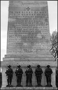 London War Memorial.