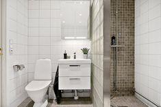 Toilet, Bathtub, Vanity, Bathroom, Pictures, Standing Bath, Dressing Tables, Washroom, Flush Toilet