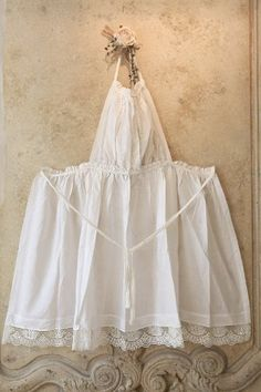 Pinafore Apron, Linen Apron, Sewing Aprons, Aprons Vintage, Apron Dress, How To Make Clothes, Refashion, Diy And Crafts, Sewing Patterns