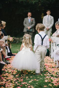 Flower Boy and Page Boy throw petals when the bride and groom enter the scene. When the wedding marches, the bride and groom are looking forward to entering the stadium. The first thing that comes Read more… Field Wedding, Lodge Wedding, Wedding Pics, Wedding Bells, Dream Wedding, Wedding Day, Wedding Dresses, Bridesmaid Dresses, Wedding Bride