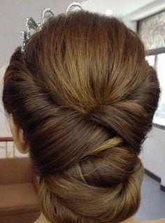 Hair - http://www.clubsmakeup.com