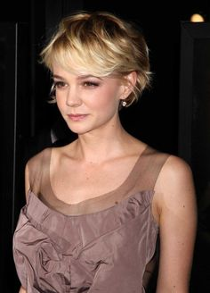 Carey Mulligan growing out pixie phase
