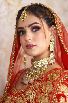Hd Bridal Makeup, Indian Bridal Makeup, Indian Bridal Fashion, Beautiful Indian Brides, Most Beautiful Indian Actress, Bridal Jewellery Inspiration, Wedding Dresses Men Indian, Beautiful Dark Skinned Women, Snake Girl