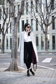 Cardigan XXL, camisa blanca IVORI y color burdeos (via Bloglovin.com )