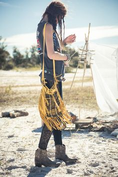 What is Bohemian? Bohemian is being unconventional. The boho look owes much to the hippie style that was developed in the middle to late Fashion pundits the world over. Hippie Gypsy, Hippie Chic, Hippie Style, Bohemian Style, My Style, Gypsy Punk, Hippie Girls, Bohemian Clothing, World Of Fashion