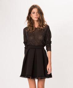 """Collection capsule """"Soir"""" : Maje réinvente le total look noir   Glamour Jupe quille noire en crêpe et perles 245€"""