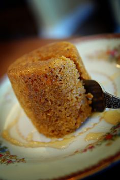 Microwave Mug Carrot Cake. 6 tbsp flour; 2 tbsp brown sugar; 1/2 tsp baking soda; 1/4 tsp cinnamon; 1/8 tsp nutmeg; 4 tbsp juice, milk, or buttermilk (per taste); 3 tbsp grated carrot; 2 tbsp oil; 1/4 tsp vanilla extract; nuts, raisins, or other mix-ins. 1. Mix dry ingredients. 2. Slowly mix in wet ingredients. 3. Microwave 2-2.5 minutes. 4. Drizzle with honey or top with softened cream cheese.