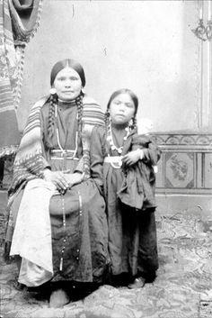 Nez Perce Women & Child