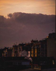 I la llum se't fa pupilla . . #photography #photo #foto #fotografia #naturephotography #nature #city #landscape #landscaping #landscapephotography #nikon #nikond3200 #photographer #morning #mornings #cloudy #clouds #beauty #beautiful #buildings #sky #barberadelvalles #vallesoccidental #catalunya #grain #color