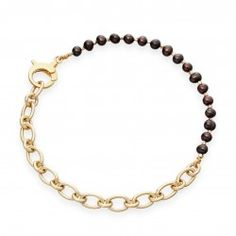 I love this Pearl and chain bracelet in 18 carat yellow gold vermeil from astleyclarke.com