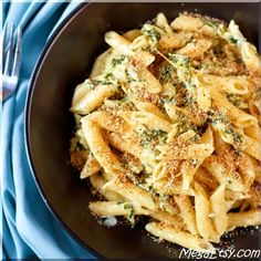 Inspired by the savory spinach-artichoke dip that everyone loves, this spinach artichoke pasta will quickly become a go-to favorite dish.
