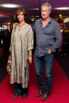 Rachel Ward und ihr Mann Bryan Brown Rachel Ward, Beautiful Old Woman, Most Beautiful Faces, Classic Actresses, Actors & Actresses, Celebrity Couples, Celebrity Pictures, Frances Movie, Bryan Brown