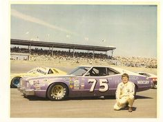 photos of dick trickle mercury montego Nascar Race Cars, Old Race Cars, Mercury Montego, Mercury Cars, Real Racing, Transporter, Vintage Race Car, Sweet Cars, Car And Driver