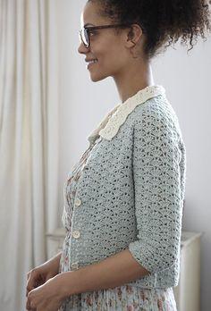 Nicki Trench's #crochet cardigan in Geek Chic Crochet is memorable for its Peter Pan Collar  ༺✿ƬⱤღ  https://www.pinterest.com/teretegui/✿༻