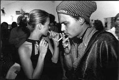 Kate Moss & Johnny Depp, by Dafydd Jones. The photographs of Dafydd Jones first gained attention in 1981 after a portfolio of his work featuring O. Johnny Depp 1990, Johnny Depp Joven, Johnny Depp Fans, Young Johnny Depp, Kate Moss, Johnny Depp Pictures, Goth Kids, Clemence Poesy, Queen Kate