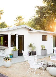 Modern cottage | sugarandcloth.com