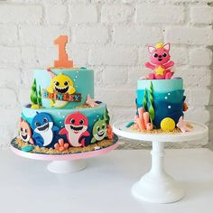 77 Baby Shark Cake Ideas to Steal For Your Child's Next Birthday Party Shark Birthday Cakes, Boys First Birthday Party Ideas, Baby First Birthday, Boy Birthday Parties, Peppa Pig, Shark Party Decorations, Animal Crackers, Lego Ninjago, Shark Cake