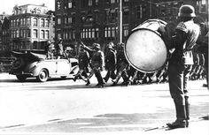 ANP Historisch Archief Community - Amsterdam, 12 februari 1942 Parade Duitse soldaten op de Dam