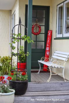 Mia Bella Passions: Red Christmas Front Porch... http://miabellapassion.blogspot.co.nz/2014/11/red-christmas-front-porch.html