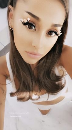 Ariana Grande Facts, Ariana Grande Concert, Ariana Grande Pictures, Ariana Grande Background, Ariana Grande Wallpaper, Ariana Geande, Ariana Grande Sweetener, Dangerous Woman, Lily Collins
