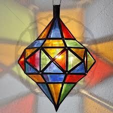 lamparas colores - Google Search Stained Glass Lamp Shades, Stained Glass Light, Stained Glass Ornaments, Stained Glass Projects, Stained Glass Patterns, Stained Glass Windows, Mosaic Glass, Fused Glass, Glass Art