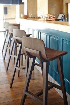 Our Kuskoa stools in the « Food Embassy », in Moscou. Design: Jean Louis Iratzoki