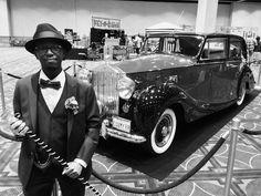 The Rolls-Royce in black & white.  #rollsroyce #British #Parliament #princessdiaries2 #dapperday #dapperdayexpo #dapperday2016 #dapperdayspring2016 #disneyland #disneylandhotel #disneylandresort @dapperday @dapperdayexpo #fly @disneyland #vintage by littlescienceguy