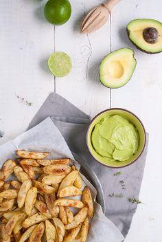 potatoes wedges with avocado wasabi dip