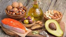 Everything you need to know about dietary fat, including how to include more healthy fats in your diet. Healthy Fats, Healthy Eating, Anti Cholesterol, Cholesterol Levels, Food Chemistry, Smoothies Detox, Grain Free Granola, Keto Fat, Skinny Recipes