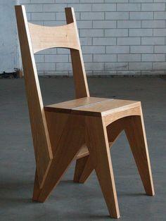 Weij Meubelwerk, TRPSTL   Van dit stoeltje kan de rugleuning worden omgeklapt, waardoor een stevig en hoekig trapje ontstaat.