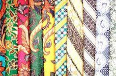 Batik: tecido estampado que imita o processo artesanal com mesmo nome.